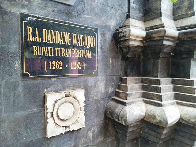nameboard makam